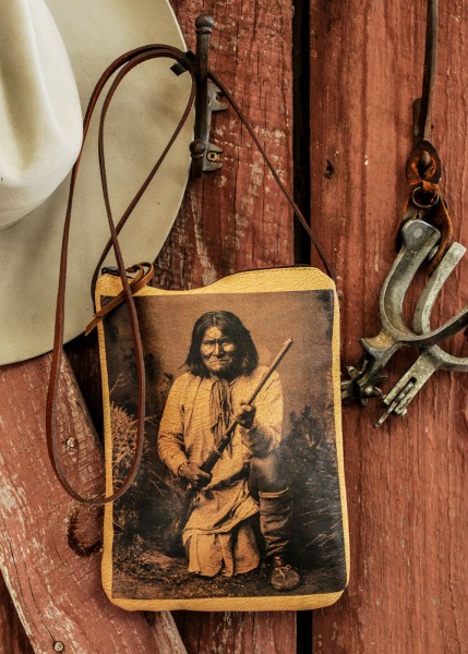 indian hunter pouch